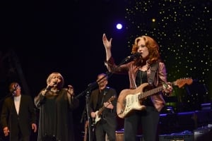 Watch Bonnie Raitt Join Mavis Staples For Powerful Performance Of Civil Rights Anthem